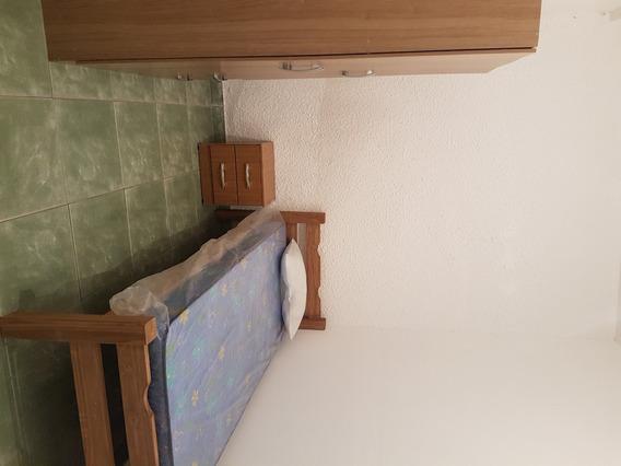 Pieza Con Muebles Individual