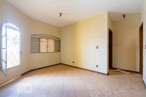 Casa Para Aluguel - Taguatinga, 3 Quartos, 120 - 892997739