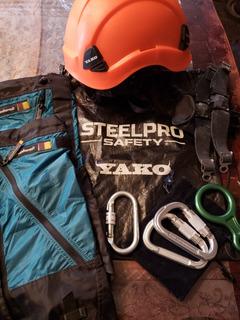 Kit De Seguridad Y Montaña(casco, Mosquetones,polainas,cramp