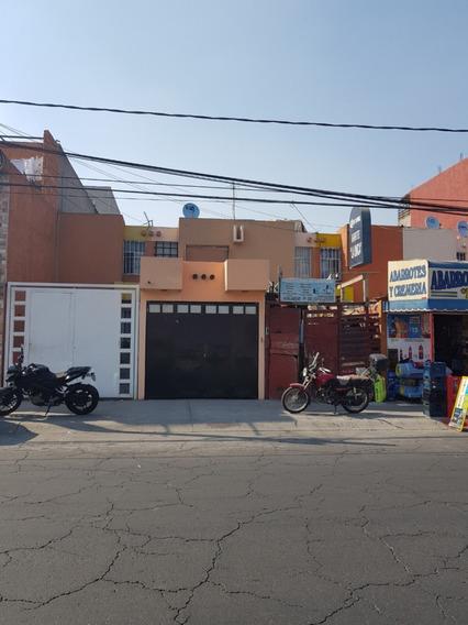 Casa Los Heroes Tecamac Con Local Comercial Sobre Avenida