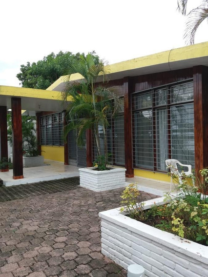 Casa - Enrique Rodríguez Cano