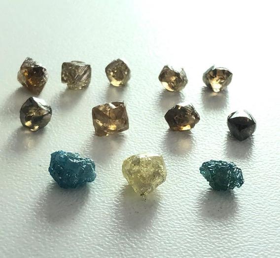 Lote De Diamantes Brutos Naturais Pesando 10,63 Cts
