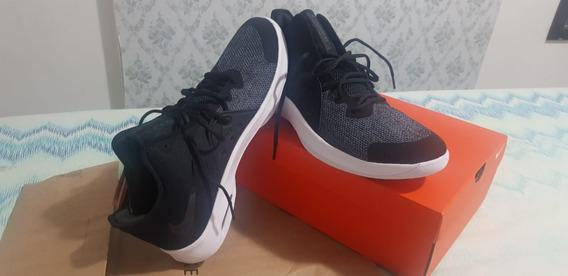 Tênis Nike Air Versitile Iii- Tam 48
