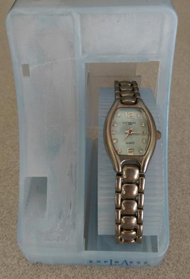 Reloj De Pulsera Uso De Exhibidor
