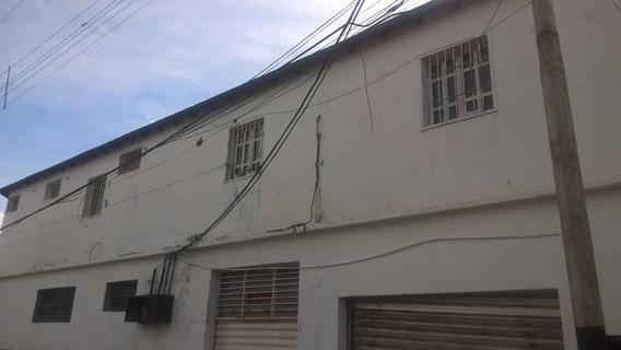 Apartamento En La Barraca / Marelys Valero