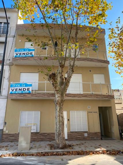 Ph De 3 Ambientes Al Frente Con Balcon Corrido.