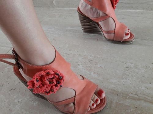 Sandalias Coral Con Aplique En Crochet