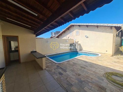Imagem 1 de 24 de Casa Com Piscina, Financiamento Direto- R$ 700 Mil - V33