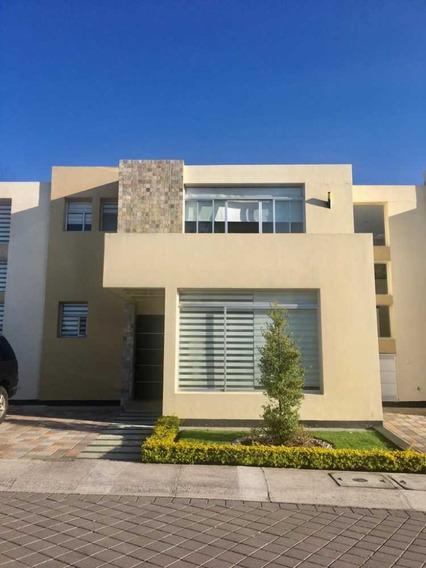 Hermosa Casa De Venta En Tumbaco