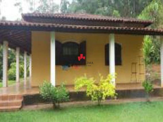 Sítio Com 3 Dormitórios E 10 Vagas, Em Nazaré Paulista. - Pe22232