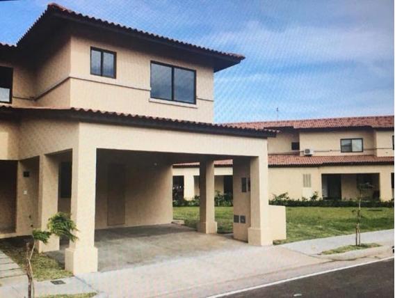 Casa En Venta En Panama Pacifico 19-10064 Emb