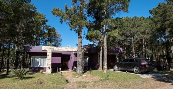 Hermosa Casa En Villa Robles- Pinamar