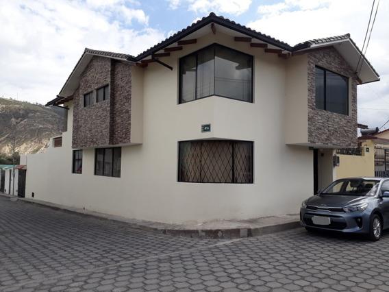 Hermosa Casa En La Mitad Del Mundo