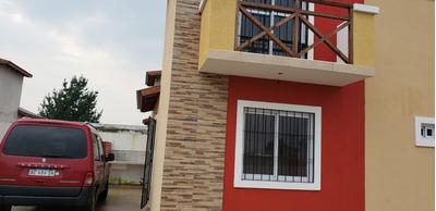 Casa De 5 Ambientes, 2 Baños, 3 Dormitorios.