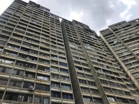 Apartamento En Bello Monte 20-9054 Yanet 414.195648