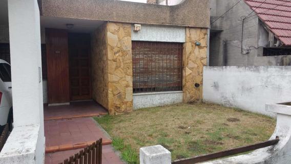 Casa Al Frente Ph Con Cochera