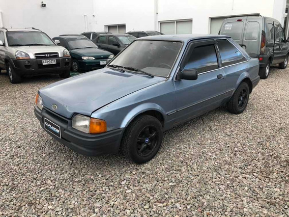Ford Escort 1.6 Nafta