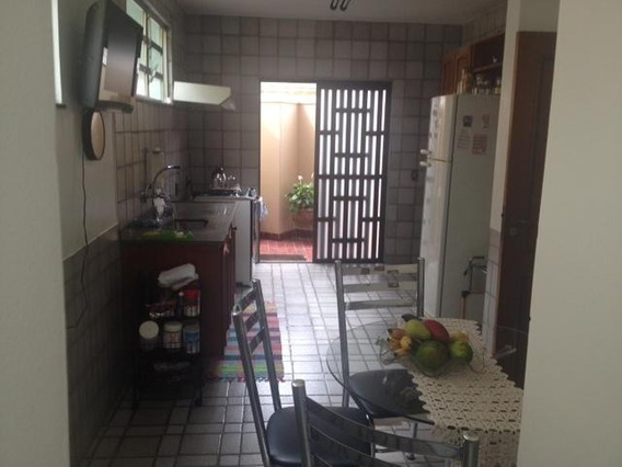 Casa Para Venda Em Volta Redonda, Jardim Amália Ii, 5 Dormitórios, 1 Suíte, 5 Banheiros, 4 Vagas - 035
