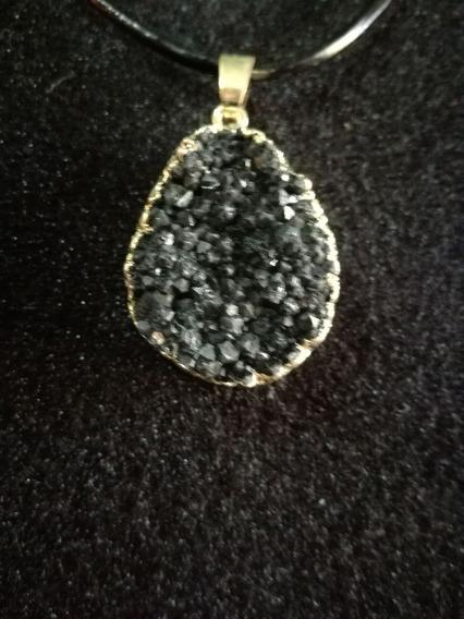 Collar Cuarzo Negro Con Lamina Con Oro Joyeria Fantasia