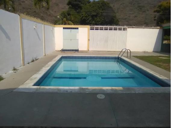 Hermosa Casa Con Piscina En Ocumare De La Costa! 04128849675
