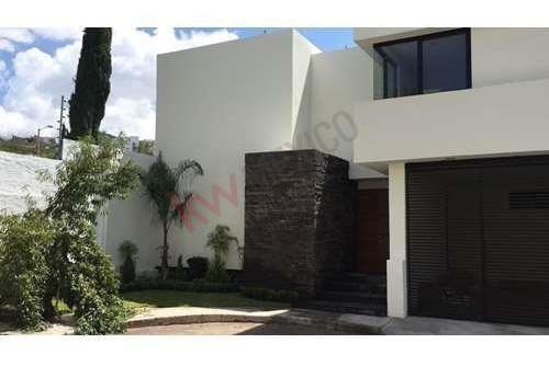 Venta De Hermosa Casa En Privada La Mancha, Lomas Del Tec