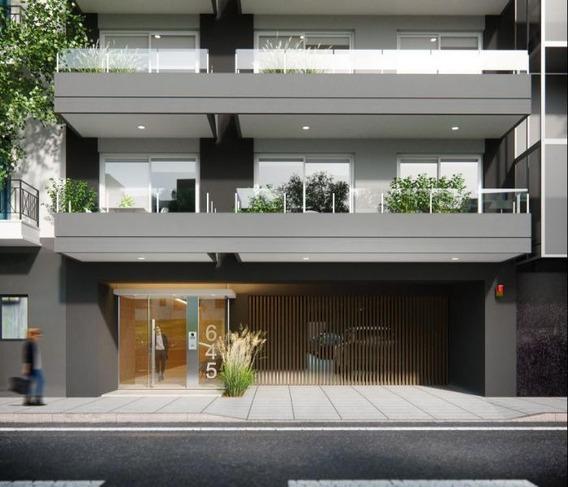 Edificio De 12 Pisos Con Unidades De 1 Y 2 Ambient