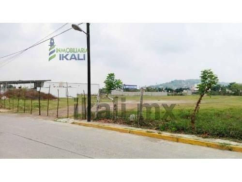 Terreno Renta 8000 M² Col. Plan De Ayala Tihuatlan Veracruz, Se Encuentra Ubicado A Espaldas Del Restaurante Costa Esmeralda Y Frente Al Restaurante Quintamar En La Calle Tamaulipas S/n De La Colonia
