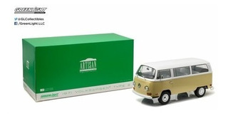 Kombi 1:18 Artisan 1971 Volkswagen Type 2 Greenlight