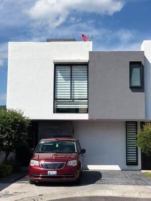 Casa Dentro De Condominio En El Refugio