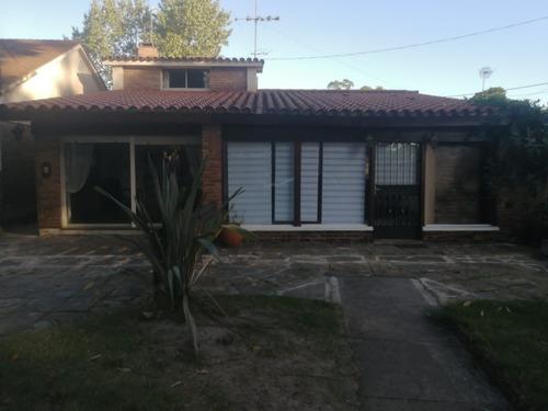 Ref 123 - Hermosa Casa En Centro De Atlántida