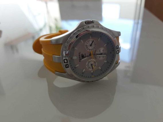 Vendo Relógio Fóssil Semi Novo.
