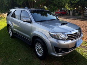 Toyota Hilux 3.0 4x4 Aut. 5 Lugares