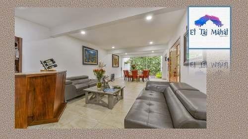 Casa Habitación De Dos Plantas De 284 M2 En Venta $6,100.00