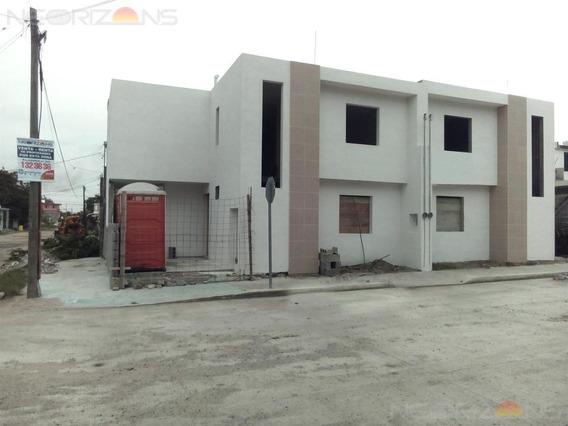 Casa En Venta En Col. Francisco Villa, Ciudad Madero Tamps.