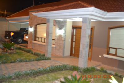 Vendo Hermosa Casa Nueva En Challuabamba (cuenca - Ecuador)