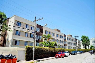 Quarto Em Apartamento De Condominio Na Trindade