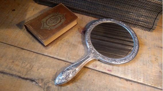 Antigüedad Espejo De Mano Con Baño De Plata