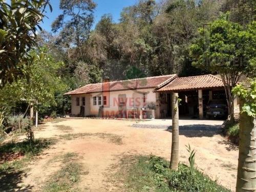 Cód 3835 - Linda Chácara Com Ótima Localidade. - 3835