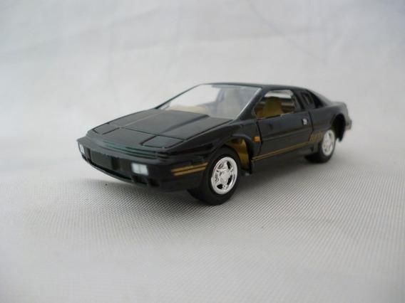 Johnny Lightning Lotus Spirit - J P Cars