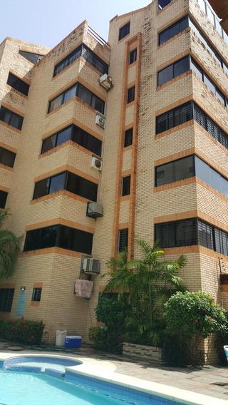 Inmejorable Combo Apartamento Y Local Comercial.