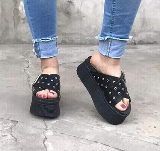 Calzado Art Cami Negros Con Hebilla
