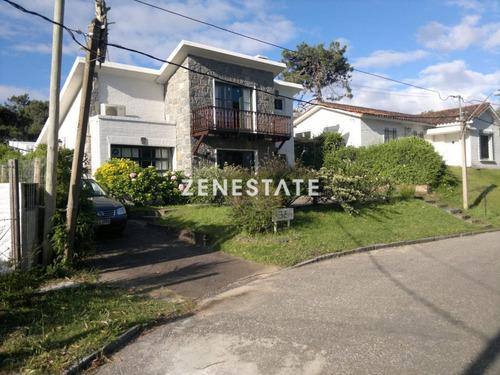 Hermosa Casa En Linda Zona De Punta Del Este