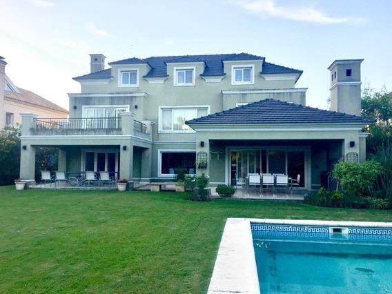 Importante Casa En La Isla