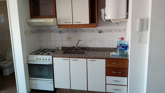 Av. Rivadavia 13900 8-j - Ramos Mejía - Departamentos 1 Ambiente - Alquiler