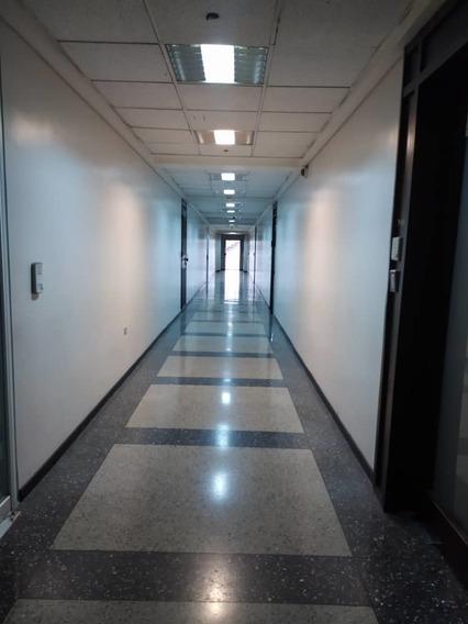 Oficina En Alquiler El Recreo - Conde 04242191182