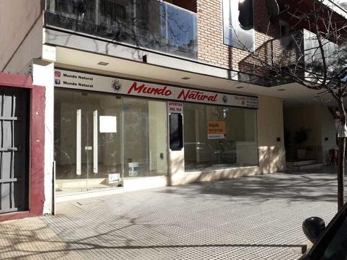 Local Alquiler En Nueva Cordoba Sobre Pueyrredon 300 / 75 M2   Patio