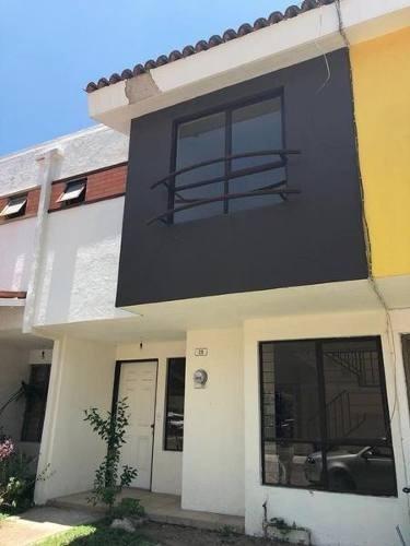 Casa En Venta Cerca De Iteso En Condominio