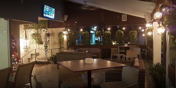 Restaurant O Local Comercial, Completamente Equipado En Piantini
