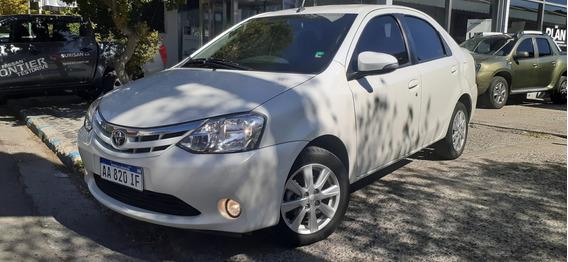 Totota Etios Xls Sedan 4 Puertas Motor 1.5