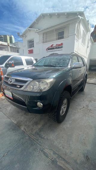 Toyota Fortuner 4x4 4.0